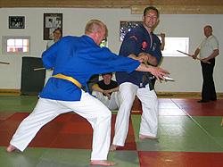 Jörg Gerdes (rechts) bei SV mit Stock