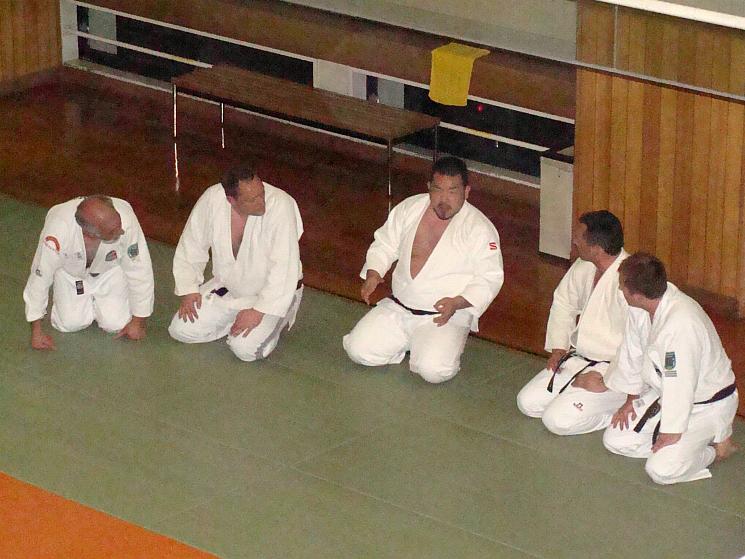 Die BAE-Meister im Gespräch mit Harukuni Shimoyama