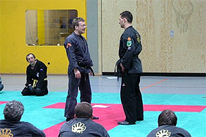 Claude Weiland (links) unterrichtete die neue Prüfungsordnung